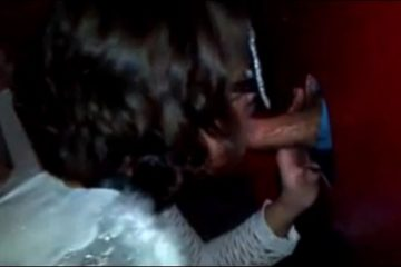 Jeune femme masquee suce une grosse bite - Glory Hole
