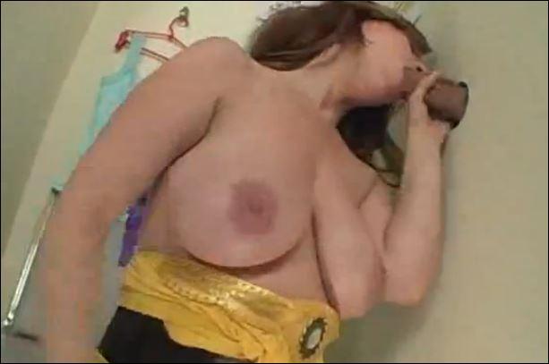 enorme creampie femme voilée salope