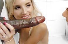 Une grosse bite de black pour femme salope