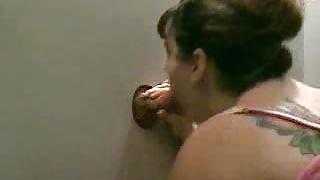 Salope Glory Hole à voir dans ce porno amateur