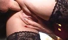 Sodomie pour une femme salope à gros seins